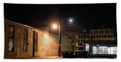 Dark Chicago City Alley At Night With The Moon Beach Towel