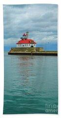 Duluth Lighthouse 2 Beach Sheet