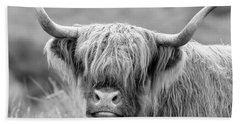 Face-to-face With A Highland Cow - Monochrome Beach Towel