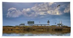 Beach Towel featuring the photograph Goat Island Lighthouse by Rick Berk