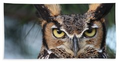 Great Horned Owl Eyes 51518 Beach Sheet