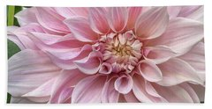 Lovely Dahlia Beach Sheet