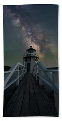 Milky Way Over Doubling Point Beach Towel