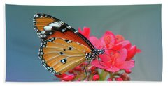 Plain Tiger Or African Monarch Butterfly Dthn0246 Beach Towel