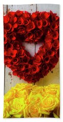 Red Heart Wreath And Yellow Roses Beach Towel