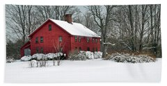 Red New England Colonial In Winter Beach Sheet