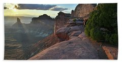 Sunset At Green River Overlook In Canyonlands Np Beach Towel