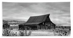 Ta Moulton Barn In Black And White Beach Towel