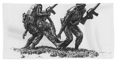 Vietnam Memorial Statue Beach Towel