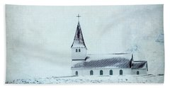 Vik I Myrdal Church In Snow Beach Sheet