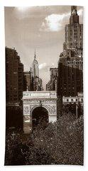 Washington Arch And New York University - Vintage Photo Art Beach Sheet