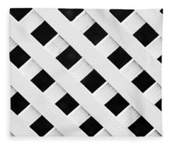 Lattice Fence Pattern Fleece Blanket