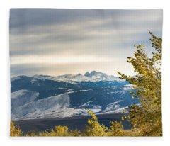 Blacktooth Fleece Blanket