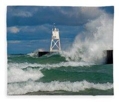 Break Wall Waves Fleece Blanket