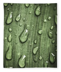 Green Leaf Abstract With Raindrops Fleece Blanket