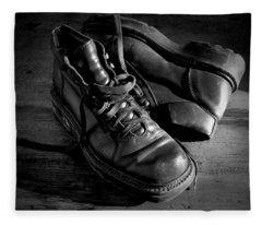 Old Leather Shoes Fleece Blanket
