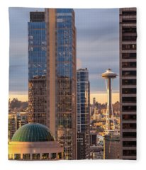 Seattle Space Needle Golden Sunset Light Fleece Blanket