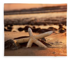 Starfish On The Beach At Sunset Fleece Blanket