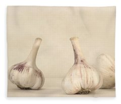 Fresh Garlic Fleece Blanket