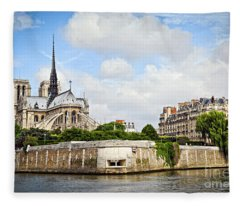 Notre Dame De Paris Fleece Blanket