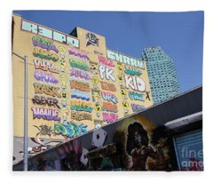 5 Pointz Graffiti Art 2 Fleece Blanket