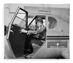 Amelia Earhart - 1936 Fleece Blanket