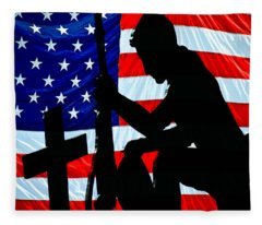 A Time To Remember American Flag At Rest Fleece Blanket