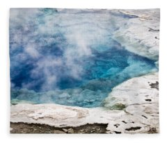 Artemisia Geyser Fleece Blanket