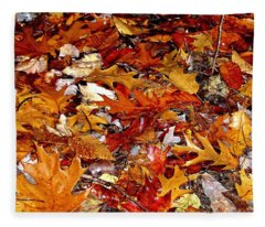 Autumn Leaves On The Ground In New Hampshire - Bright Colors Fleece Blanket