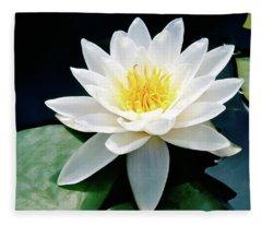 Beautiful Water Lily Capture Fleece Blanket