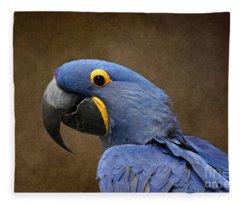 Beauty Is An Enchanted Soul - Hyacinth Macaw - Anodorhynchus Hyacinthinus Fleece Blanket