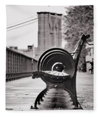 Bench's Circles And Brooklyn Bridge - Brooklyn Heights Promenade - New York City Fleece Blanket