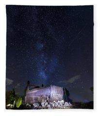 Big Muskie Bucket Milky Way And A Shooting Star Fleece Blanket