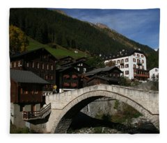 Binn Fleece Blanket