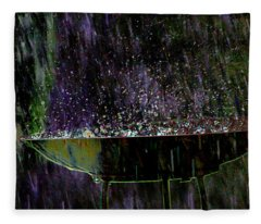 Bird Bath Explosion Fleece Blanket