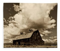 Blasdel Barn Fleece Blanket