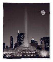 Buckingham Fountain Nightlight Chicago Bw Fleece Blanket