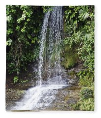 Cascada Pequena Fleece Blanket