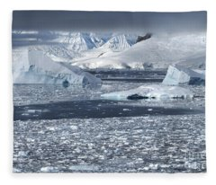 Charlotte Bay Fleece Blanket