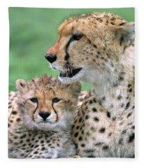 Cheetah Mother And Cub Fleece Blanket