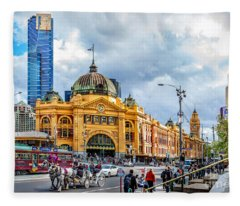 Classic Melbourne Fleece Blanket