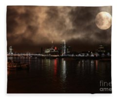 Victoria London  Fleece Blanket