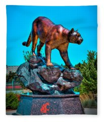 Cougar Pride Sculpture - Washington State University Fleece Blanket
