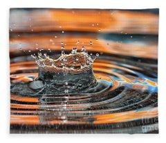 Crown Shaped Water Drop Macro Fleece Blanket