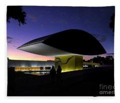 Curitiba - Museu Oscar Niemeyer Fleece Blanket