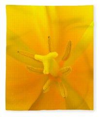 Daffodil Center Fleece Blanket