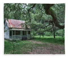 Daufuskie Homestead Fleece Blanket