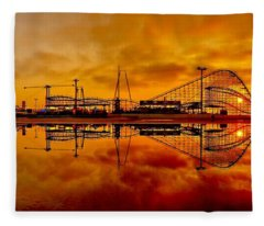 Dawn At Wildwood Pier Fleece Blanket