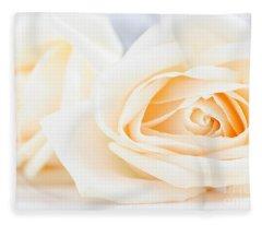Delicate Beige Roses Fleece Blanket