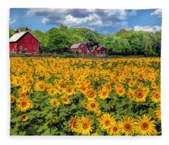 Door County Field Of Sunflowers Panorama Fleece Blanket